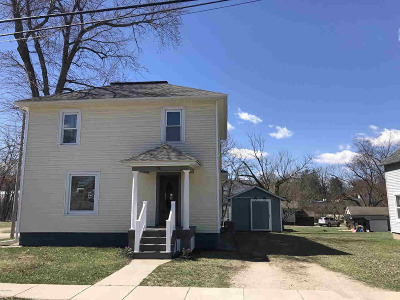 Hillsdale Single Family Home For Sale: 86 W St Joe St