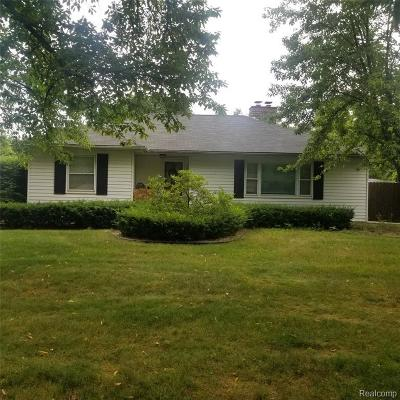 Plymouth Single Family Home For Sale: 11847 Brownell Ave