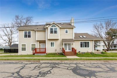 Plymouth Single Family Home For Sale: 592 Kellogg St