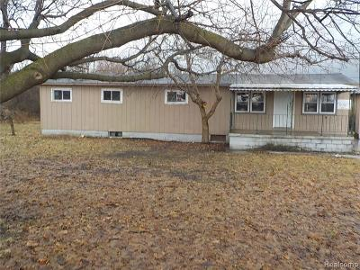 Single Family Home For Sale: 6953 Fostoria Rd