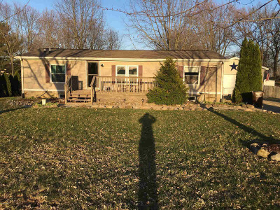 Jackson County Single Family Home For Sale: 561 Maitland Dr