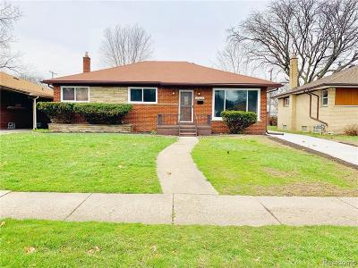 Oak Park Single Family Home For Sale: 24051 Rensselaer St