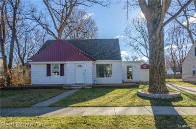 Farmington Hill Single Family Home For Sale: 22160 Colgate St