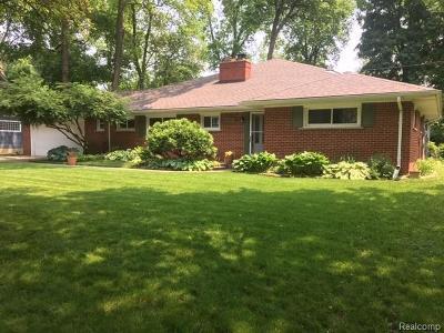 Plymouth Single Family Home For Sale: 11732 Priscilla Ln