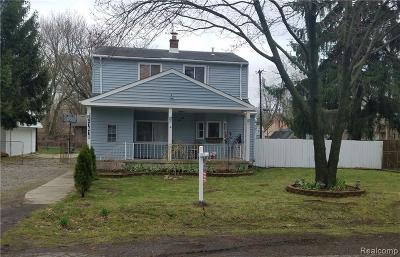 Farmington Hill Single Family Home For Sale: 21610 Jacksonville St