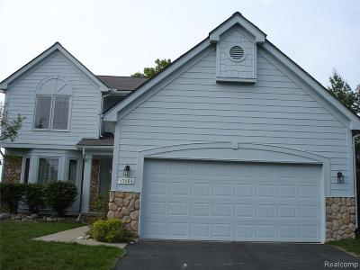 Northville Condo/Townhouse For Sale: 17468 Lake View Cir