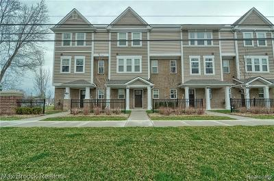 Wixom Condo/Townhouse For Sale: 474 N Wixom Rd