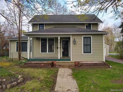 Belleville Single Family Home For Sale: 327 N Liberty St