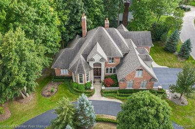 Northville Single Family Home For Sale: 18315 Woodbury Crt