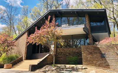 Ann Arbor Single Family Home For Sale: 700 Spring Valley Rd