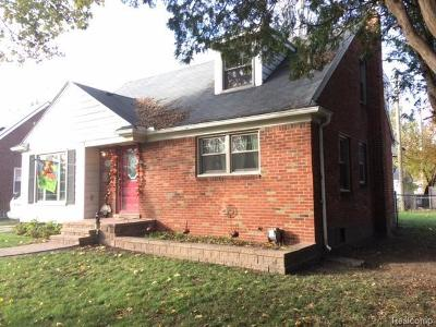 Single Family Home For Sale: 5324 Nadeau Dr