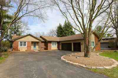 West Bloomfield Single Family Home For Sale: 7088 Cedarbank Dr