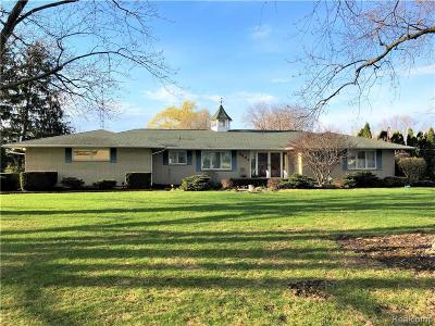 Single Family Home For Sale: 9481 E Lippincott Blvd