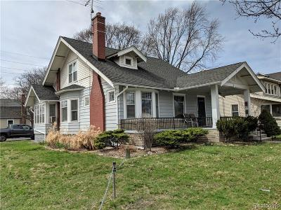 Plymouth Single Family Home For Sale: 515 Starkweather St