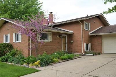 Livonia Single Family Home For Sale: 16693 Levan Rd
