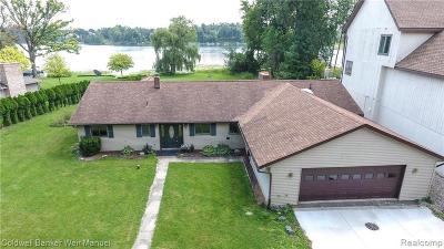 Single Family Home For Sale: 348 Gan Eden Dr