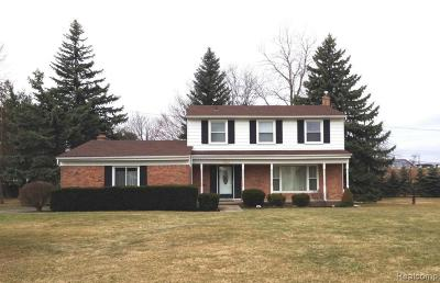 West Bloomfield Single Family Home For Sale: 6286 Nicholas Dr