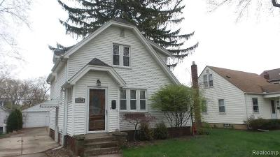 Plymouth Single Family Home For Sale: 624 Sunset St