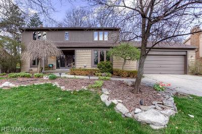 Farmington Hill Single Family Home For Sale: 31127 N Park Dr