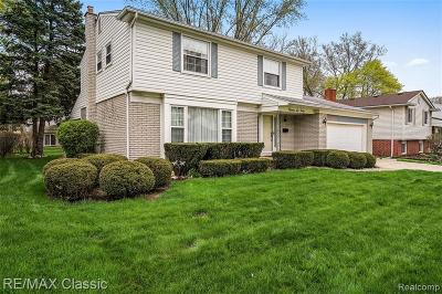 Livonia Single Family Home For Sale: 15640 Huff St