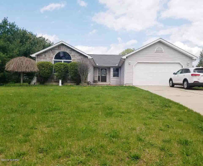 Michigan Center Single Family Home For Sale: 5112 Huggins Rd