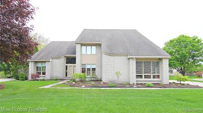 West Bloomfield Single Family Home For Sale: 4725 Bonnie Crt