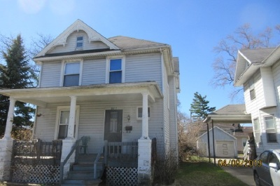 Single Family Home For Sale: 807 W Front