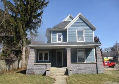 Multi Family Home For Sale: 125 Burton St SE