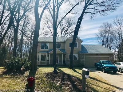 West Bloomfield Single Family Home For Sale: 6589 Cardinal Place Crt