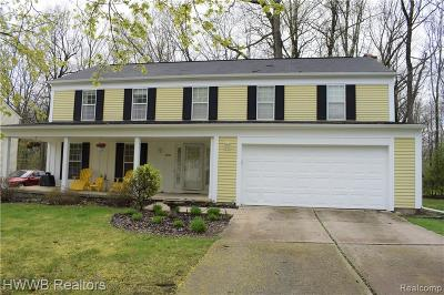 West Bloomfield Single Family Home For Sale: 5892 Cromwell Rd