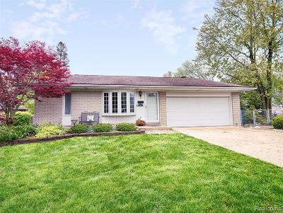 Plymouth Single Family Home For Sale: 10050 Spies Crt