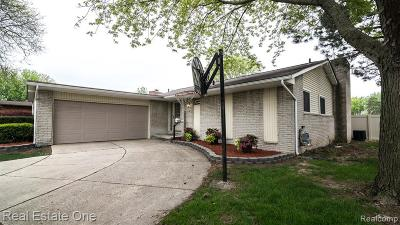 Livonia Single Family Home For Sale: 36928 Munger Dr