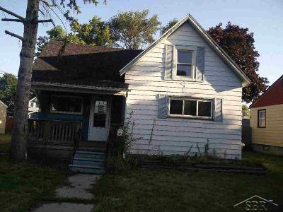Single Family Home For Sale: 1207 Elm