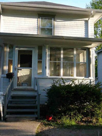 Jackson MI Single Family Home For Sale: $48,400