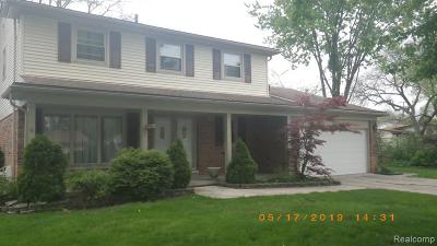 Southfield Single Family Home For Sale: 29425 Chatham Crt
