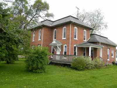 Lenawee County Single Family Home For Sale: 11044 Lyons Hwy