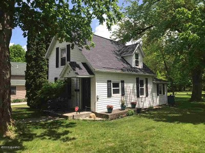 Jonesville Single Family Home Contingent - Financing: 308 Wright St