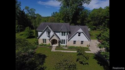 South Lyon Single Family Home For Sale: 21589 N Dixboro Rd