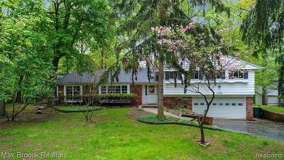 Farmington Hill Single Family Home For Sale: 34468 Quaker Valley Rd