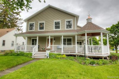 Plymouth Single Family Home For Sale: 550 Sunset St