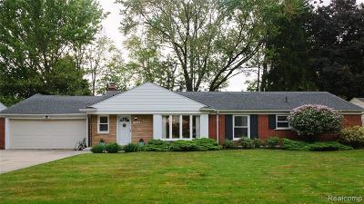 Plymouth Single Family Home For Sale: 11804 Priscilla Lane