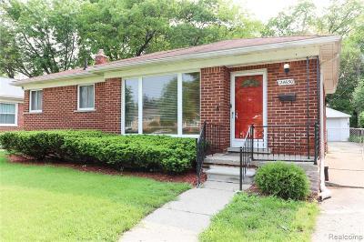 Oak Park Single Family Home For Sale: 24650 Republic Ave