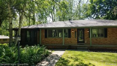 Brighton Single Family Home For Sale: 1070 Hillcrest Ave