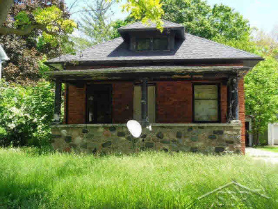 Single Family Home For Sale: 2306 N Bond