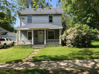 Hillsdale Single Family Home For Sale: 37 Mead St