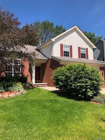 Lake Orion Single Family Home For Sale: 3068 Talon Cir