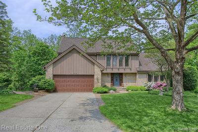 Farmington Hill Single Family Home For Sale: 37908 Sunderland Crt
