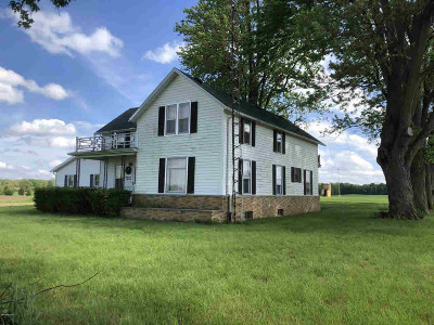 Hillsdale Single Family Home For Sale: 8551 E Bacon Rd