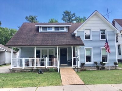 Lenawee County Single Family Home Contingent - Financing: 232 Oak Street