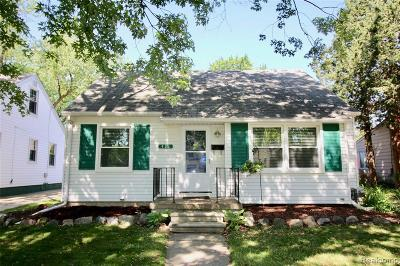 Plymouth Single Family Home For Sale: 433 Auburn St